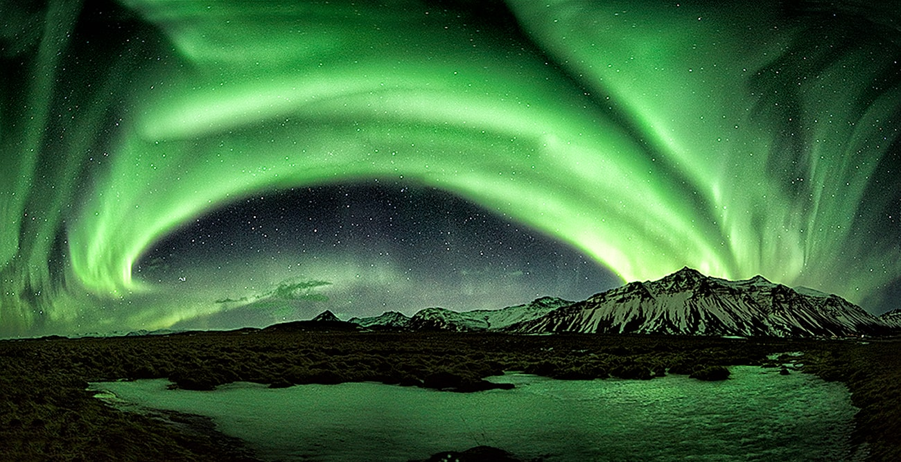 A powerfull 6Kp aurora borealis panorama photo in Iceland