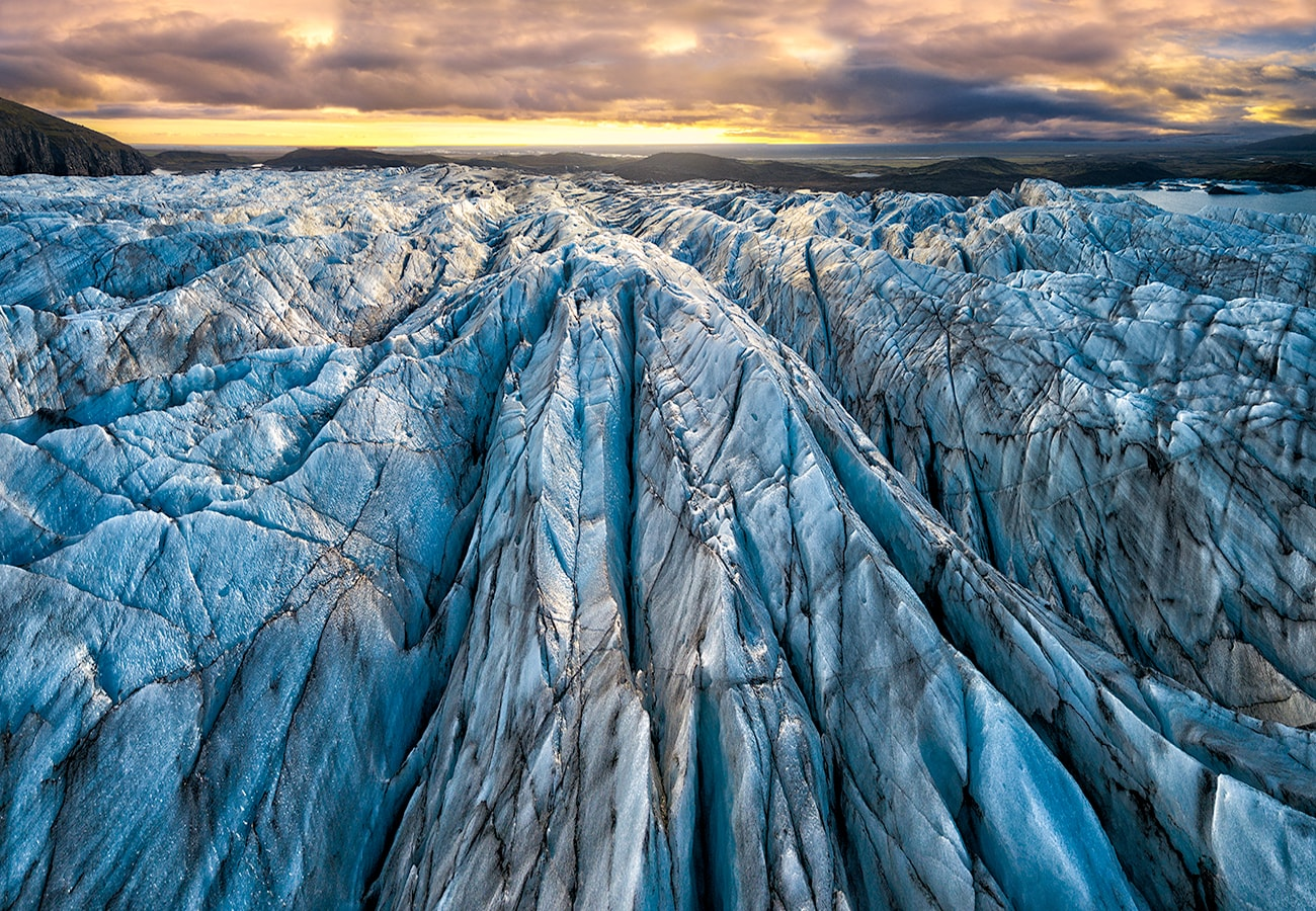 fly the drone above the glacier in iceland
