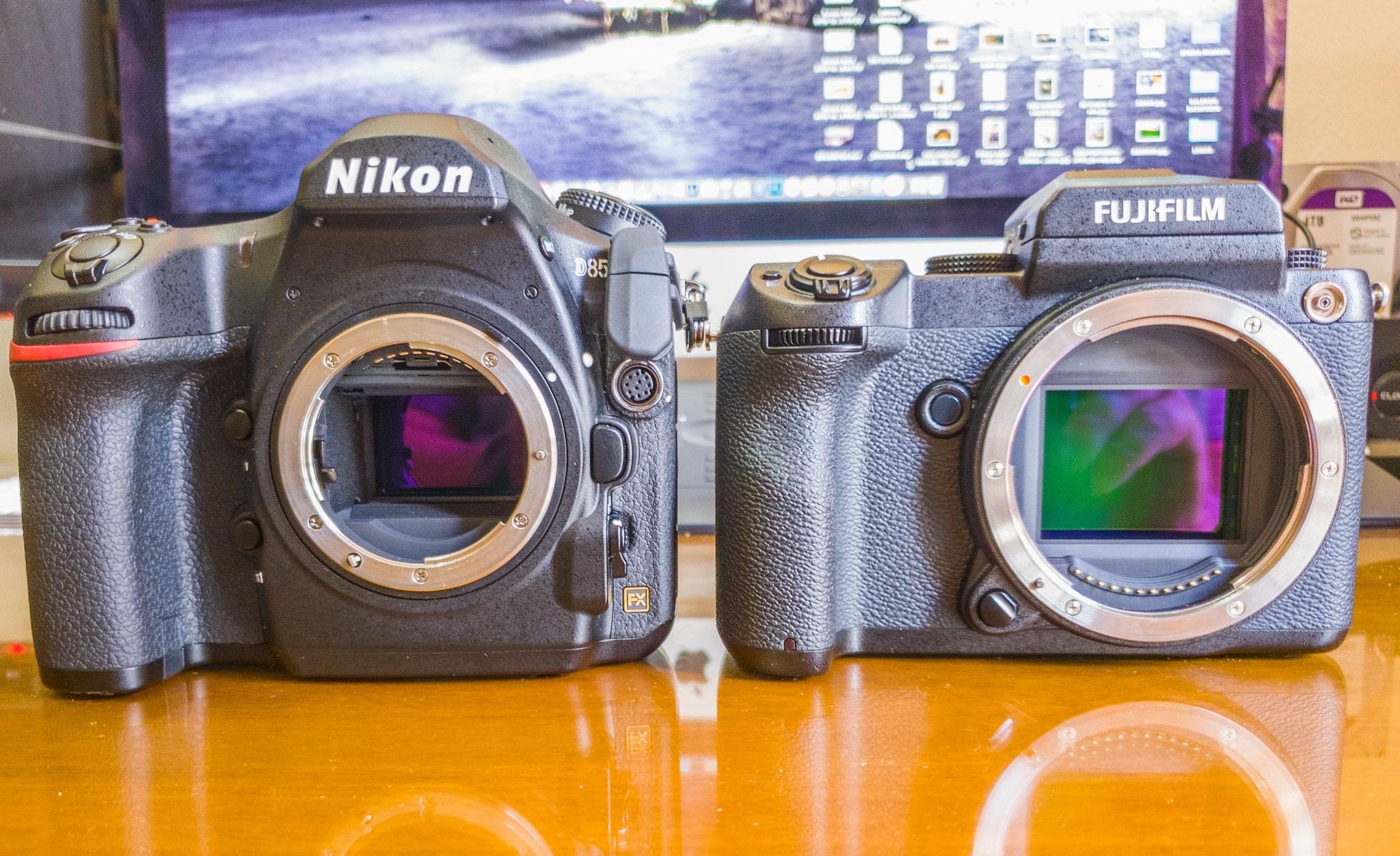 sensor size Nikon D850 vs Fujifilm gfx50s